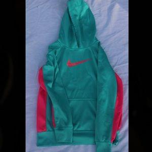 Girls Therma Fit Nike Hoodie